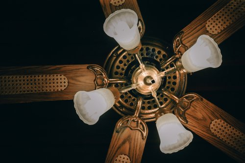 Ways to clean a ceiling fan